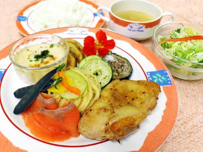 洋食プレートランチ