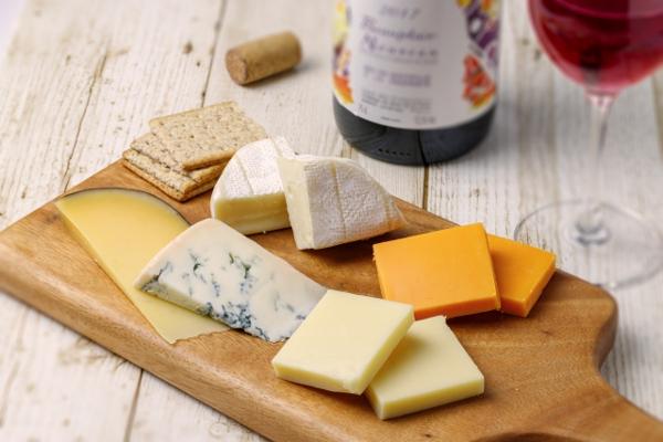 いぶりがっこ チーズ ワイン